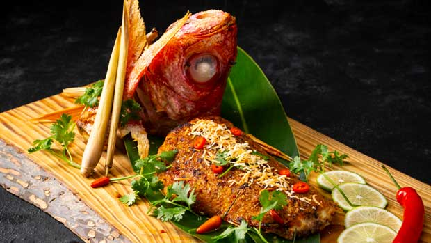 アジアンフュージョンディナーブッフェと楽しむガルーダナイト